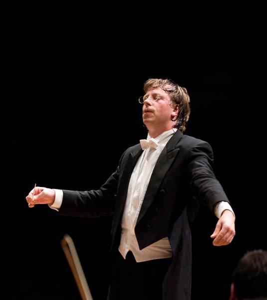 Maestro move: German wins Long Beach