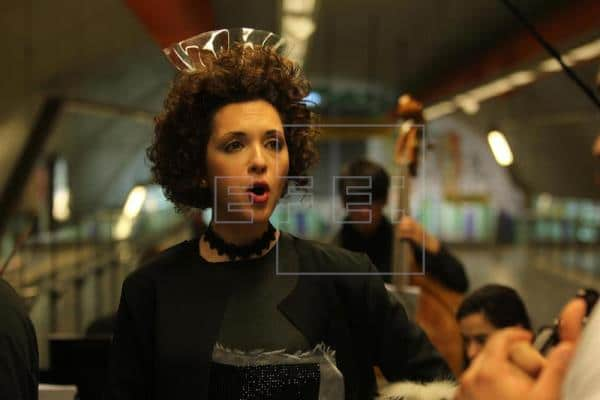 Opera company plays in underground commuter trains