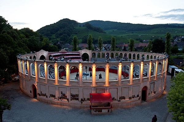 Swiss opera goes bankrupt