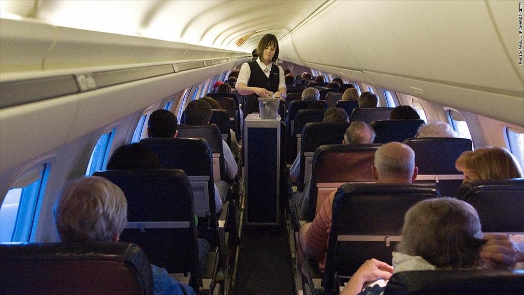 united-airlines-flight-attendant-1024x576