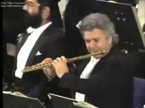 Santa Cecilia mourns a principal flute