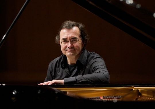 French pianist wins 250,000 Euros