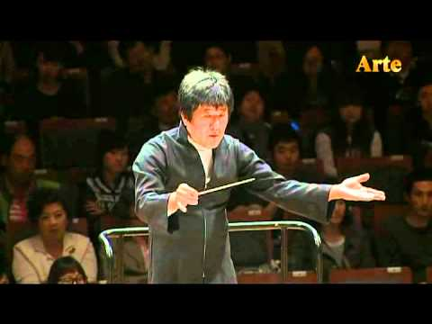 Watch: An orchestra composed of double-basses
