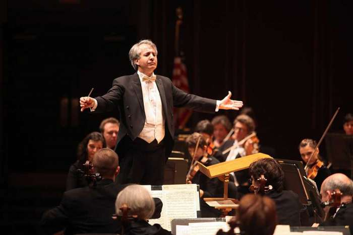 US Orchestra awards musicians 19% pay rise