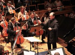 Watch: This orchestra lets the audience film selfies