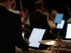 Youth orchestra abolishes sheet music