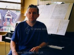 Leading composer quits opera after spat with critics