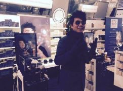 Lang Lang returns one-handed for Chinese gala