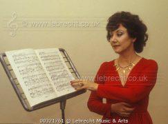 Death of a fearless British soprano, 86