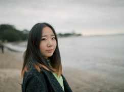 New Zealand kicks out pregnant pianist