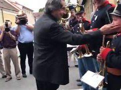 Watch: Riccardo Muti conducts a brass band