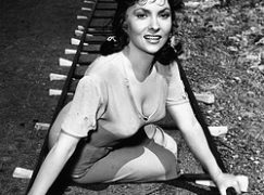Gina Lollobrigida, 90 today, could have been an opera star