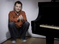 Pianist films as his Santa Rosa house burns down