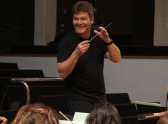 Spanish orchestra picks Venezuelan music director