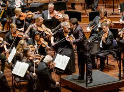 2 orchestras play today under the same conductor