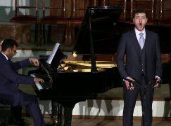 Covent Garden squeezes one half-Brit onto its singer training scheme