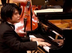 Watch live: Grieg concerto played live by Nobu, who is blind
