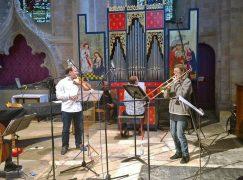 Hogwood's band follows new leader
