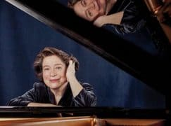 A pianist who travels with a taste of her country