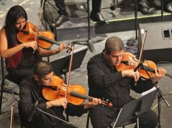 German violinist leads tour of Syria's refugees