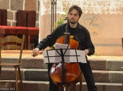 A leading cellist dies of brain cancer at 40