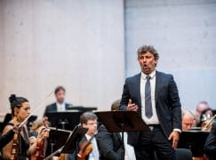'Can't hear you!' they shouted at Jonas Kaufmann