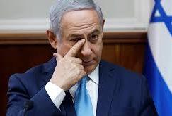 Video: Israel Philharmonic demonstrates outside Prime Minister's house