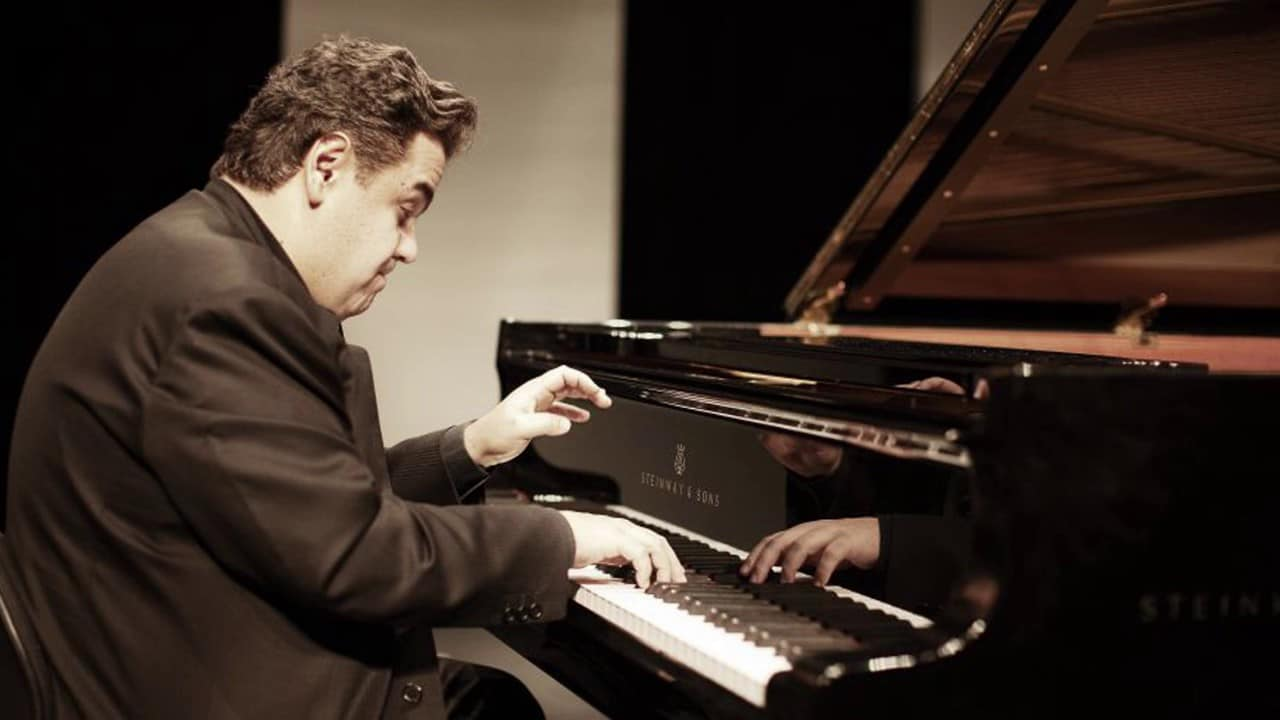The noisiest pianist on earth?