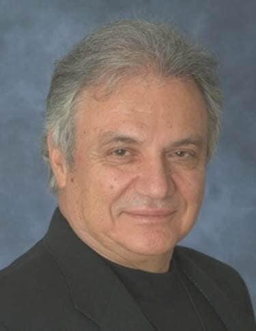 Death of an international Greek composer, 83