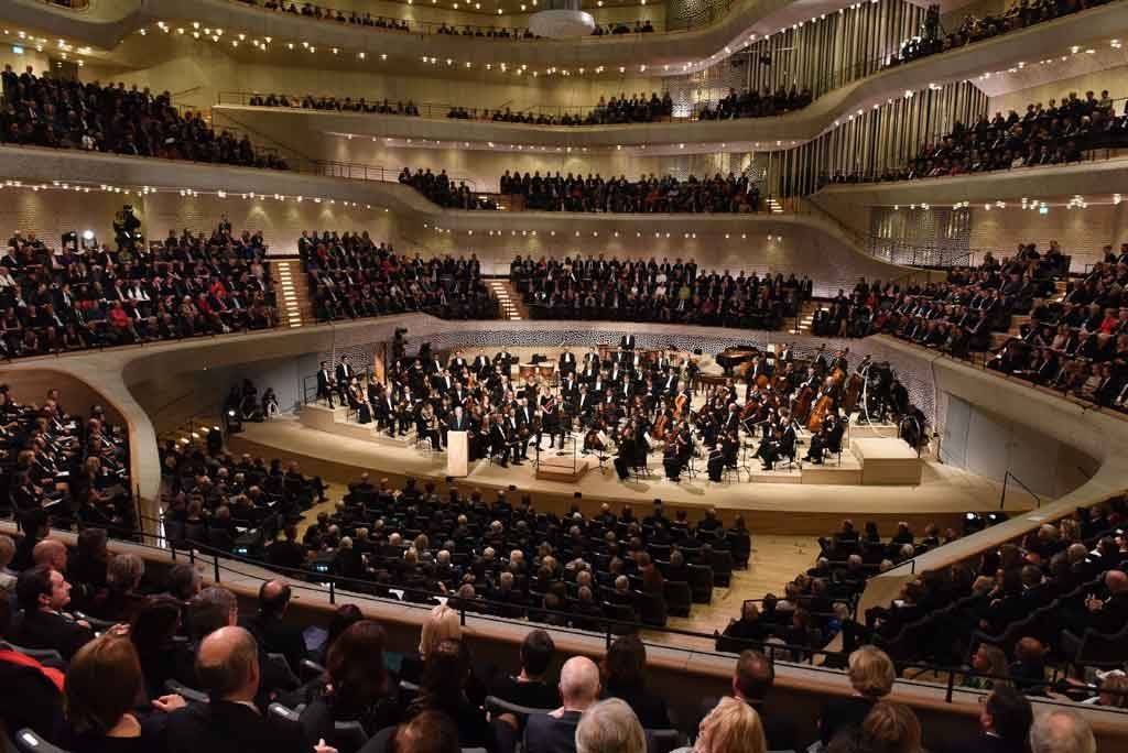 Major technical fault halts Hamburg's Elbphilharmonie