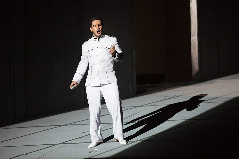 Opera fail: Tenor is fired for being too short