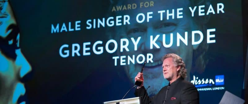 At 65, a tenor steps in at the Met after a 12-year absence