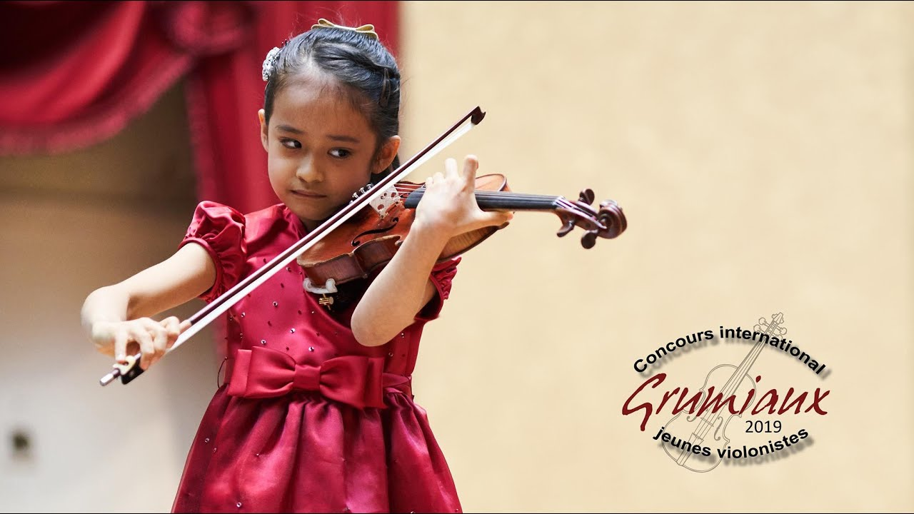 7 year-old wins international violin competition