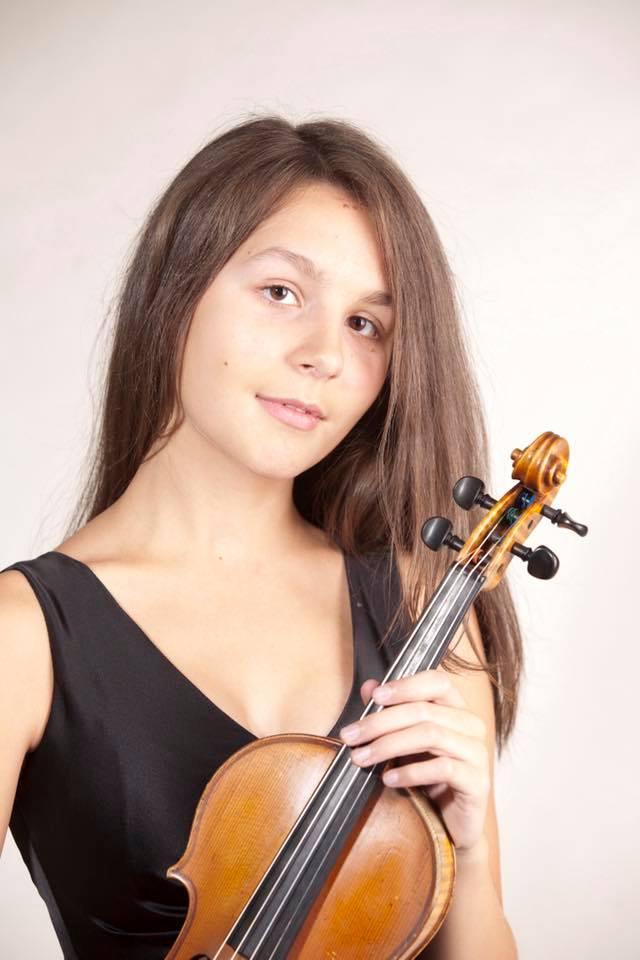 Austrian woman, 24, wins Vienna Philharmonic vacancy
