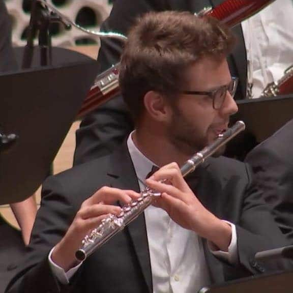 Vienna Phil fills flute seat