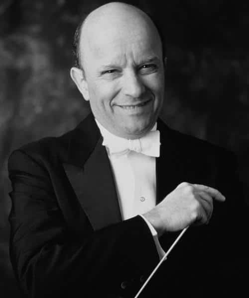 Naxos conductor retires
