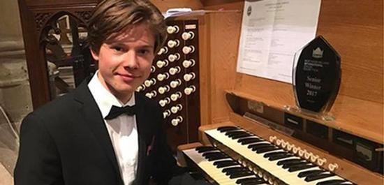 Organist wins world record $40,000