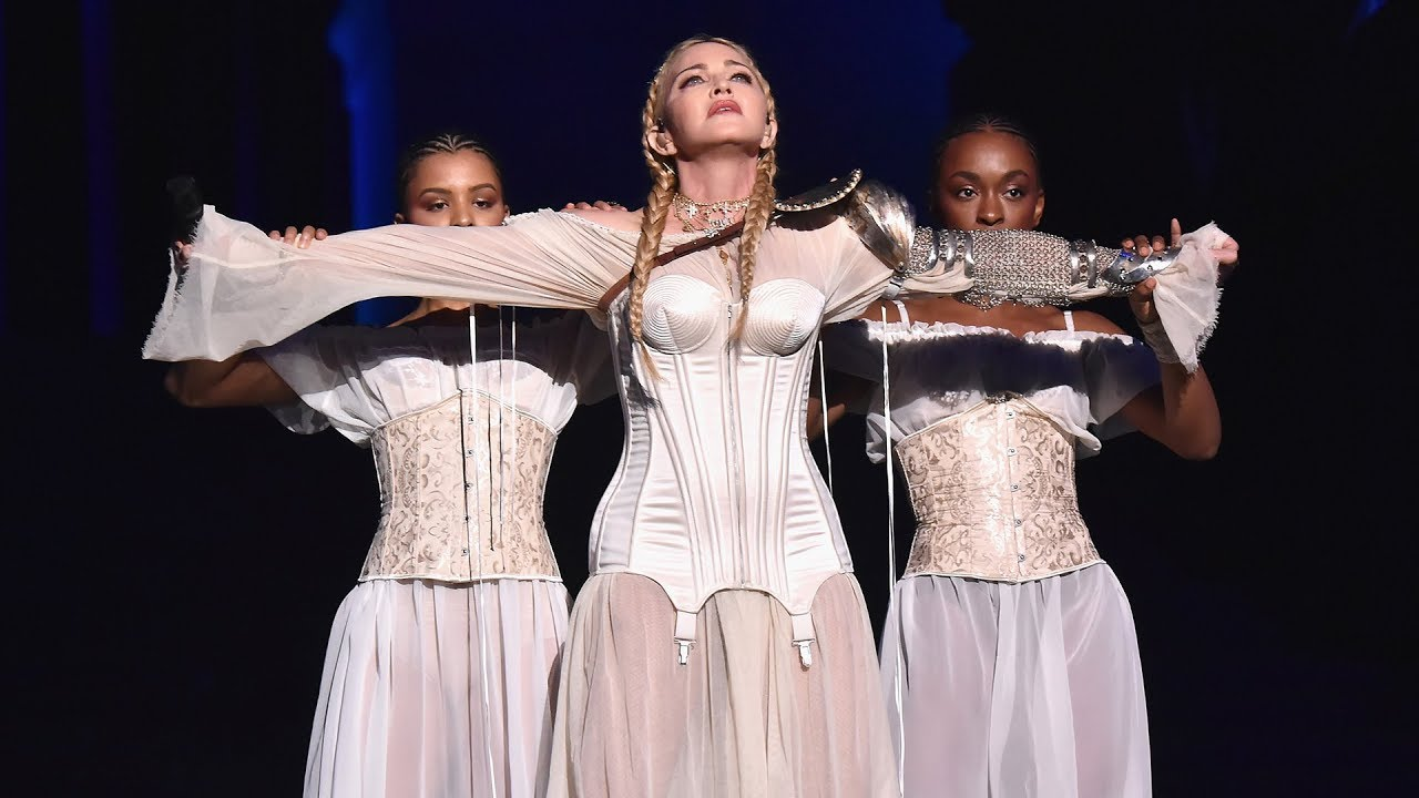 Shameless Naples wants Madonna to sing at the opera