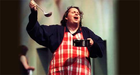 Death of Proms baritone, 45