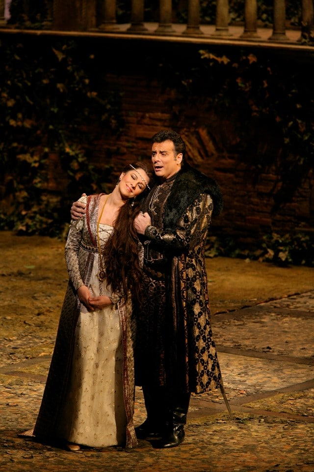 Artists mourn a much-loved tenor