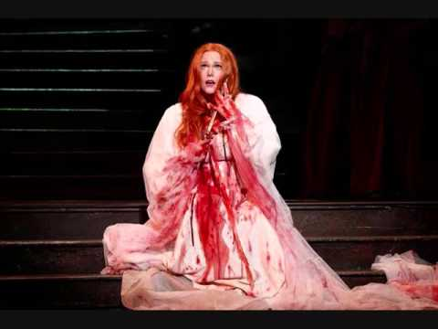 Opera 'can help cure war trauma'