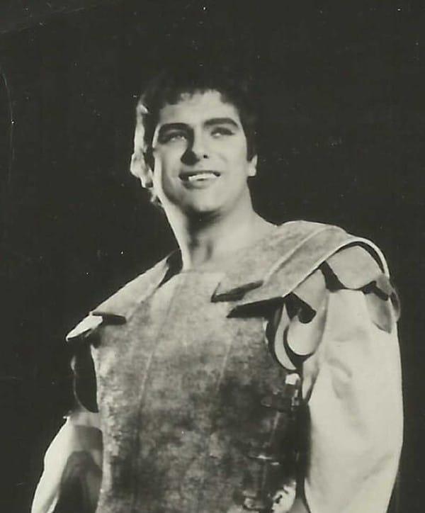 Death of an exemplary British tenor, 83