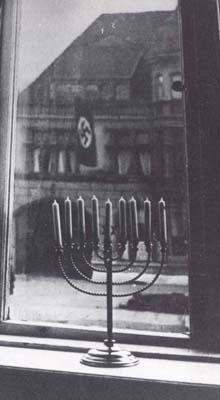 Lahav Shani lights Hanukah candles for Martha Argerich
