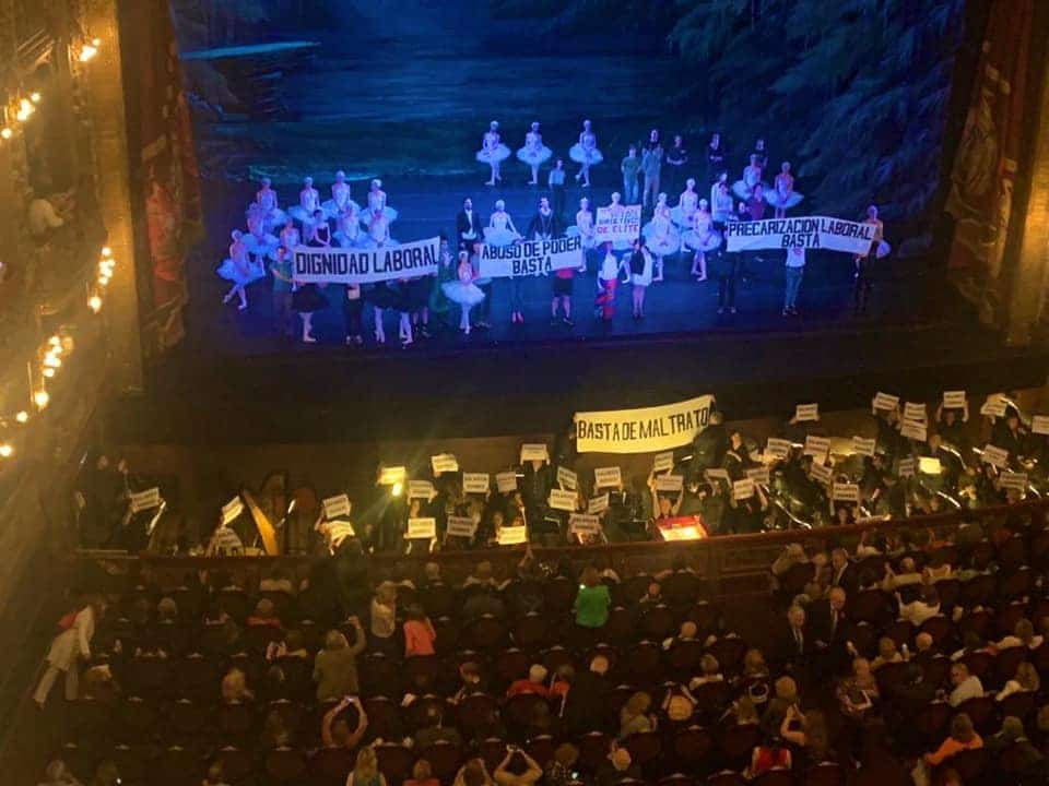 Teatro Colon musicians stage wage protests