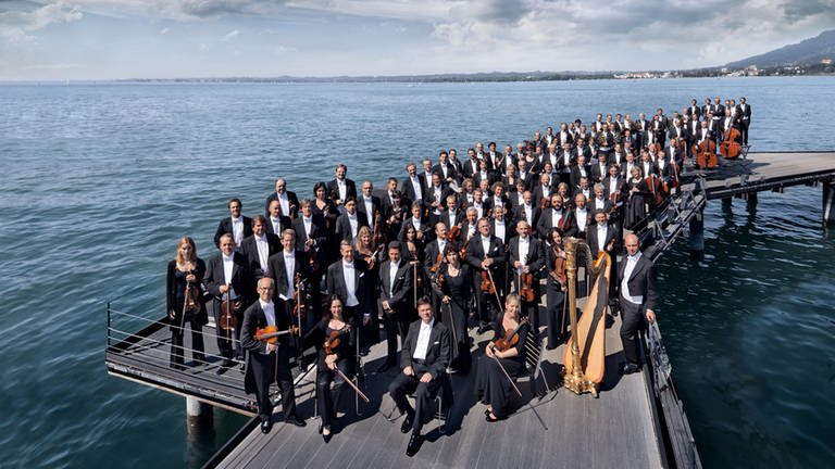 Orchestra pledges to stop flying