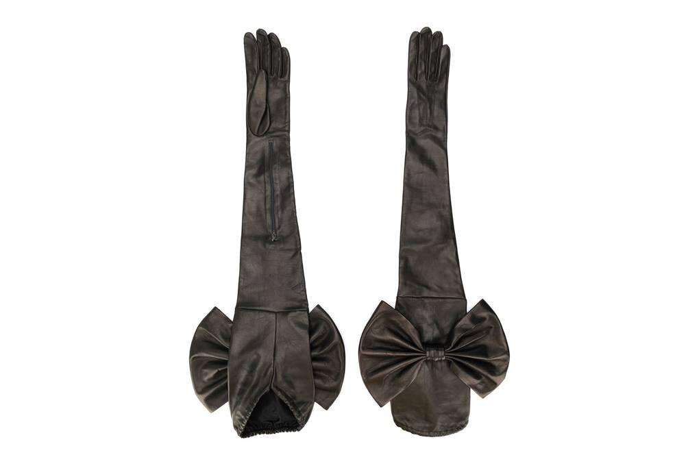 Tatler says: The opera length glove is back
