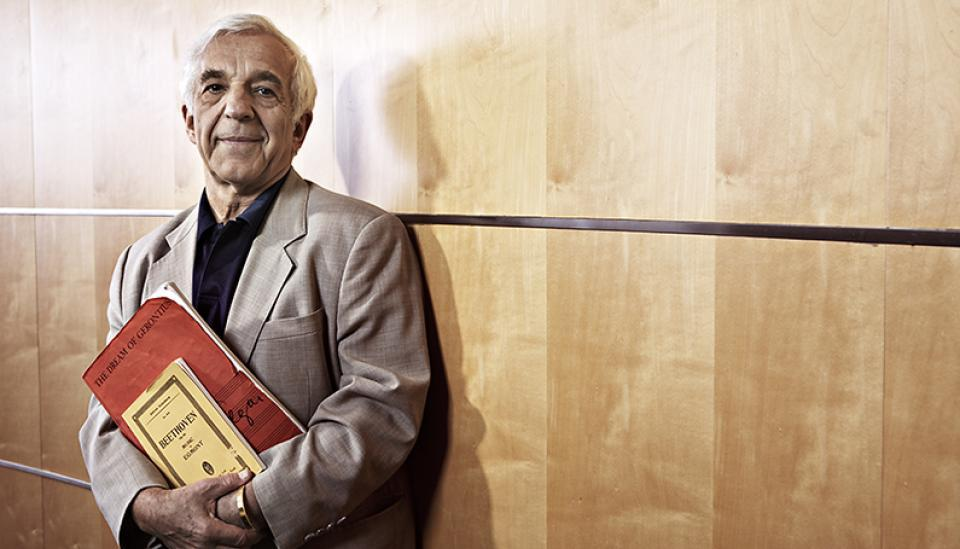 Just in: Ashkenazy retires