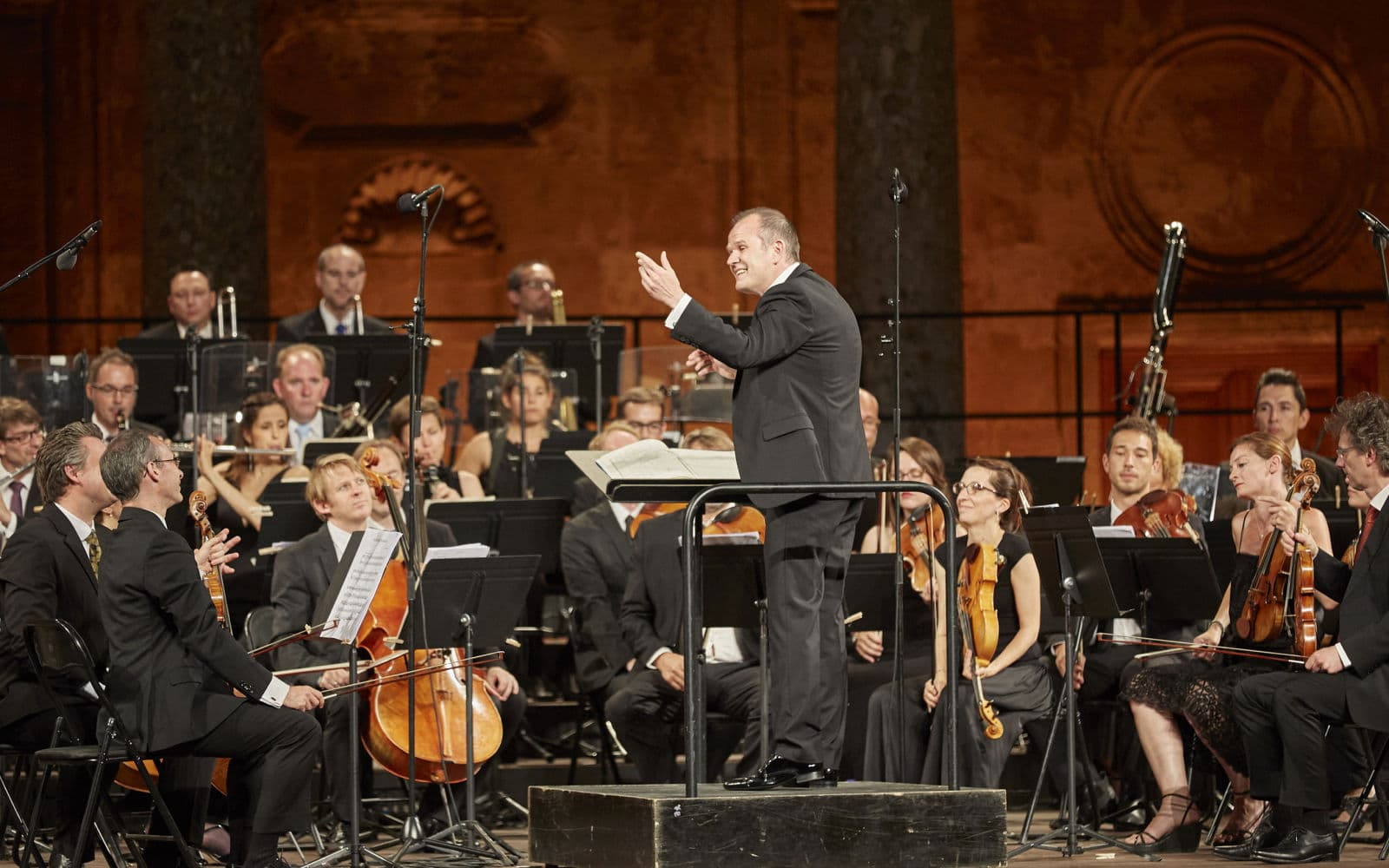 Orchestra plays Beethoven for free, manager bursts into tears