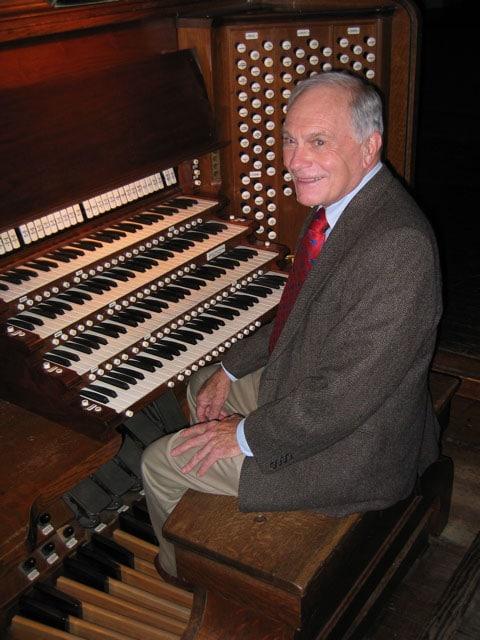 Yale organist dies of Covid-19