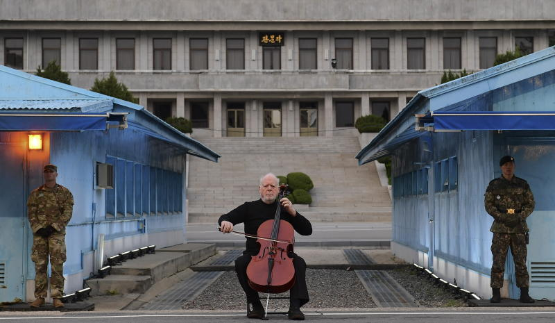 All the best cellists will play a Lynn Harrell tribute